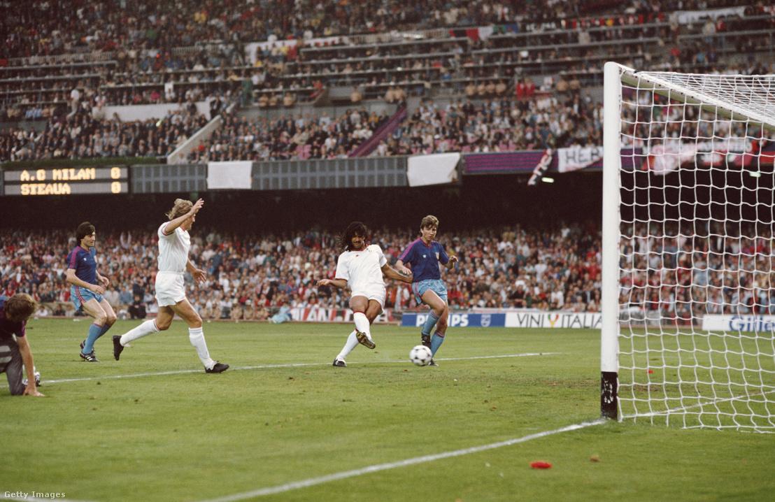 1989. május 4.: Ruud Gullit (AC Milan) gólja az Európa Kupa döntőjében, amit 4-0-ra nyert a Milan a Steua ellen.