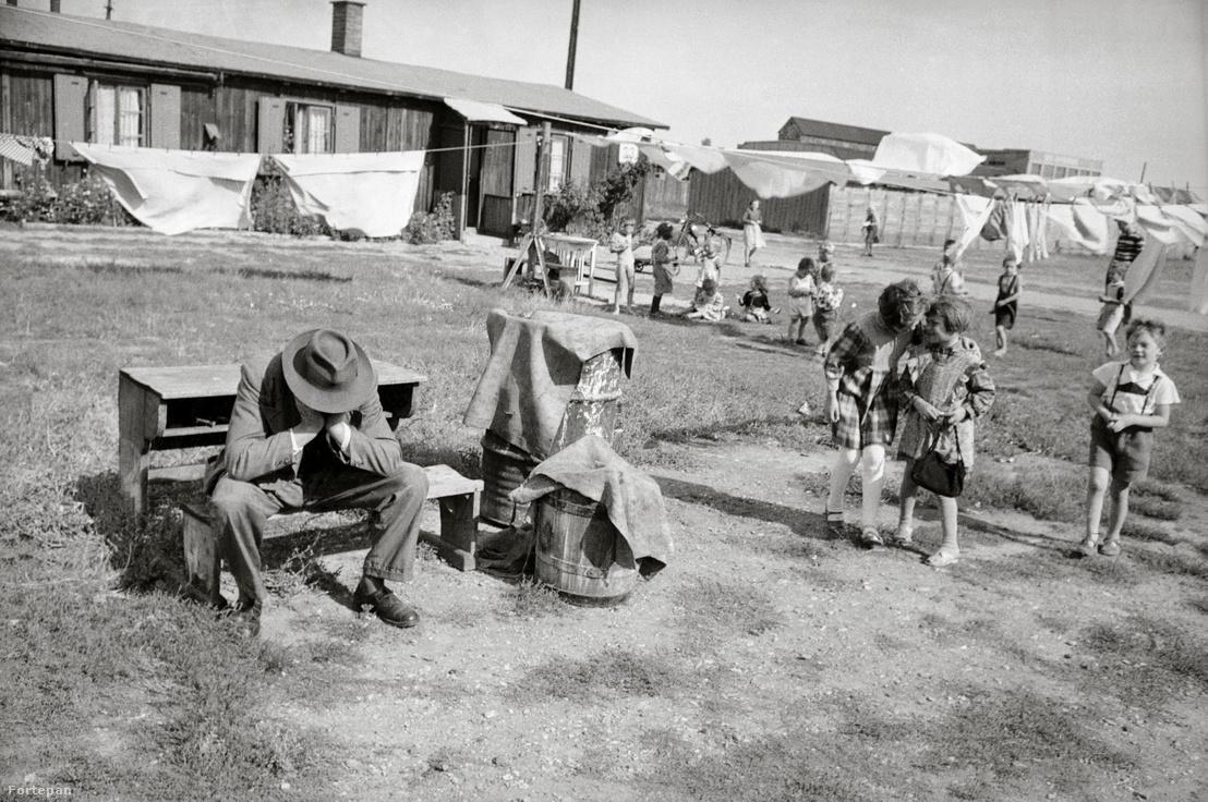 Magyar menekültek egy ausztriai menekülttáborban 1956-ban