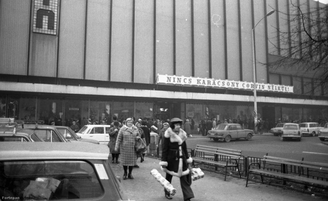 Blaha Lujza tér, Corvin Áruház, 1979