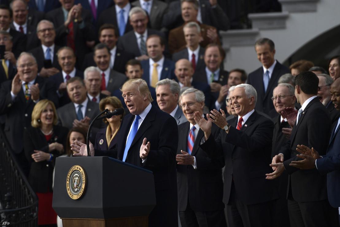 Donald Trump az adóreform megszavazása után tartott beszéde a Fehér Házban 2017. december 20-án