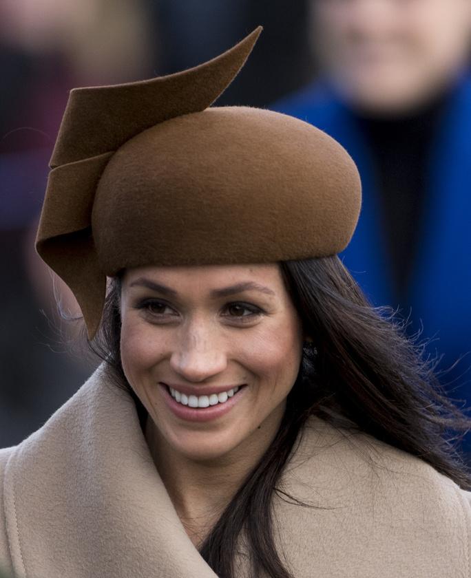 Úgyhogy azon se kell meglepődni, ha a tél hátralevő részében ez a vicces kalap lesz a divat