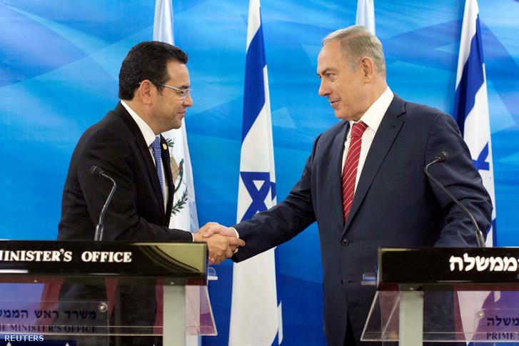 Jimmy Morales, guatemalai elnök és Benjamin Netanjahu 2016-ban