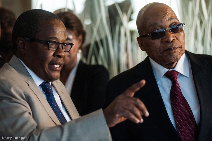 Jacob Zuma az Eskom vezérigazgatójával 2016-ban
