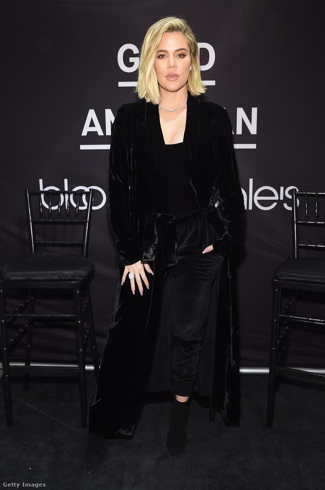 Khloe Kardashian egyébként általában feketében jelent meg a nyilvánosság előtt 2017-ben.