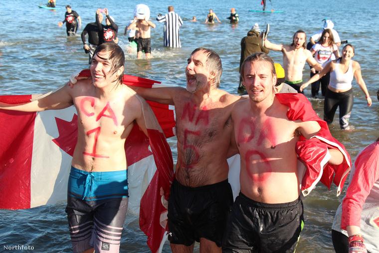Minden januárban a torontói lakosok megmártóznak az Ontario-tóban