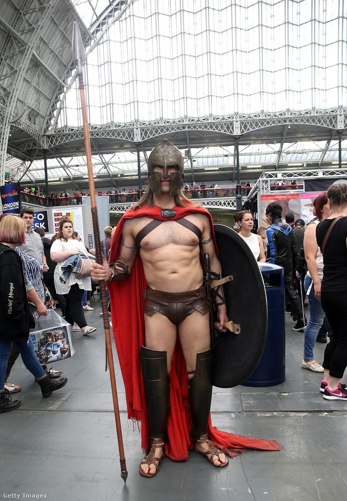 Júliusban a londoni Comic Conon is volt egy elég jól kigyúrt képregényrajongó, tökéletes jelmezben.