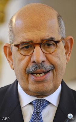 A több napja tartó kairói kormányellenes tüntetések hatására hazatér Egyiptomba az ottani ellenzék egyik vezéralakjaként számon tartott, külföldön nagy tekintélynek örvendő, Nobel-békedíjas politikus, Mohamed-el Baradei. A bécsi székhelyű Nemzetközi Atomenergia-ügynökség (NAÜ) korábbi főigazgatója várhatóan már csütörtökön megérkezik Kairóba