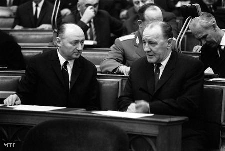 Biszku és Kádár 1968-ban a parlamentben (Fotó: Pálfai Gábor)