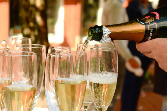 champagne-2407247 1920