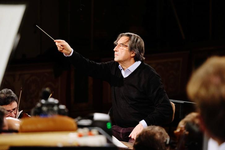 Riccardo Muti a Bécsi Filharmonikusokkal próbál az újévi koncertre