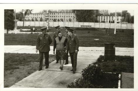 Országgyűlési képviselő látogatása a fegyelmező zászlóaljnál