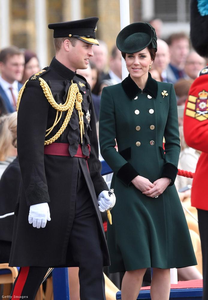 Zöld Catherine Walker kabát, Emmy London cipő és Etui clutch táska egy Szent Patrik napi eseményen