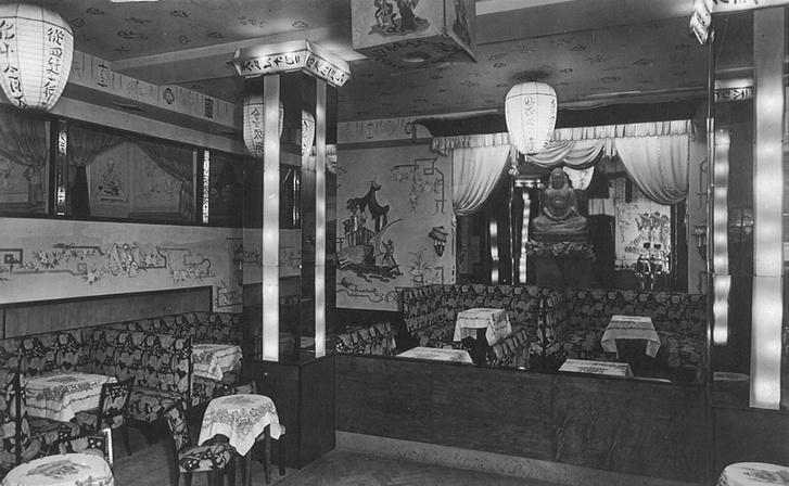 A központi terem, középen a Buddha-szoborral, 1940-es évek eleje