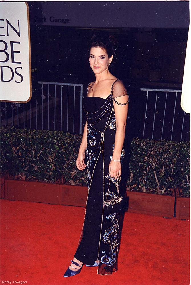 Ezen a képen az akkor 43 éves Sandra Bullock látható,