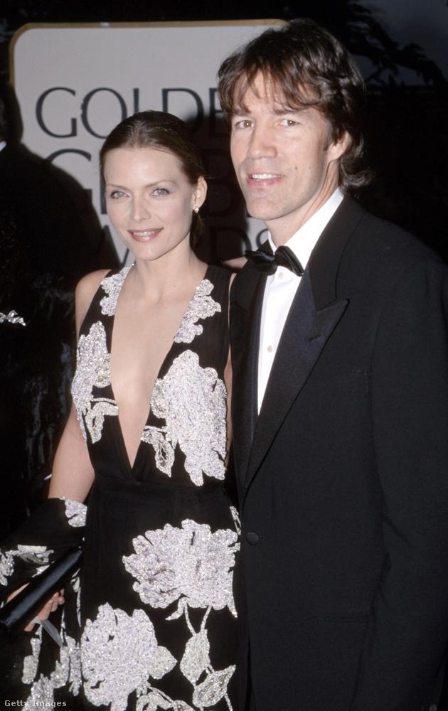 Van azonban jó hírünk is, a képen látható Michelle Pfeiffer és férje, a forgatókönyvíró David E