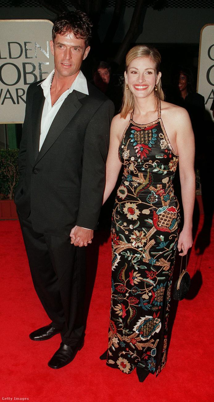 Julia Robertsnek volt néhány párkapcsolata az évek során, de Rupert Everett sosem tartozott közéjük