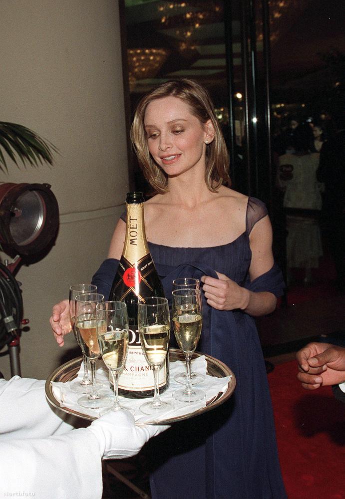 és az inni készülő Calista Flockhartot, akinek itt még 12 évet kellett várnia, hogy Harrison Ford elvegye őt feleségül