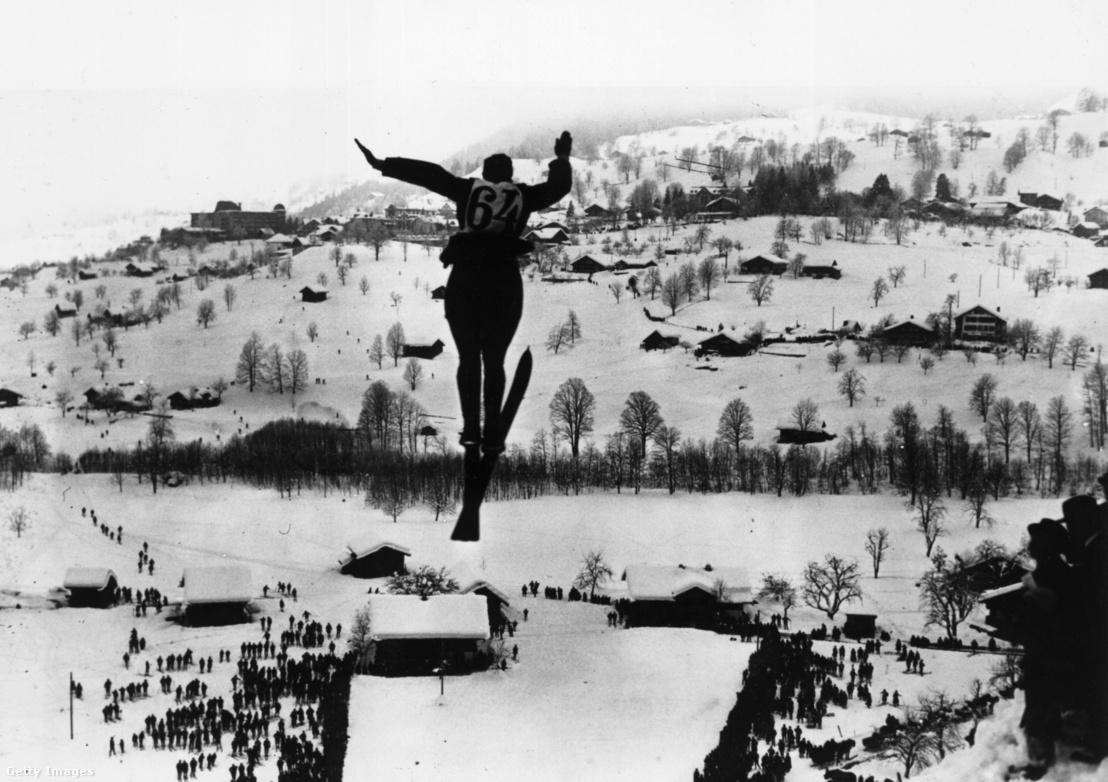 Síugró egy bajnokságon 1923-ban Svájcban