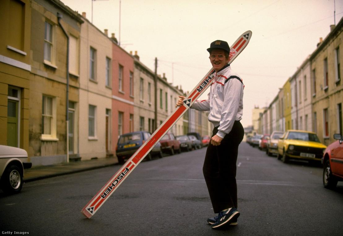 Eddie Edwards pózol szülővárosában, az angliai Cheltenhamban 1988-ban