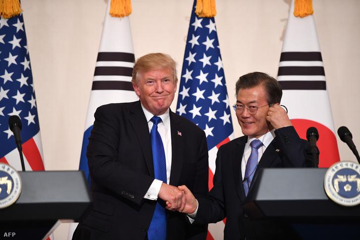 Donald Tump és Mun Dzsein