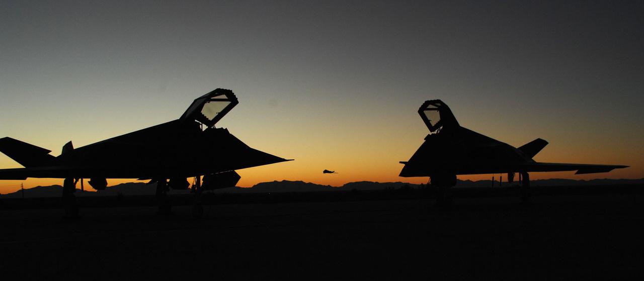 2007. október 15. Pazar naplemente a Holloman légibázison.