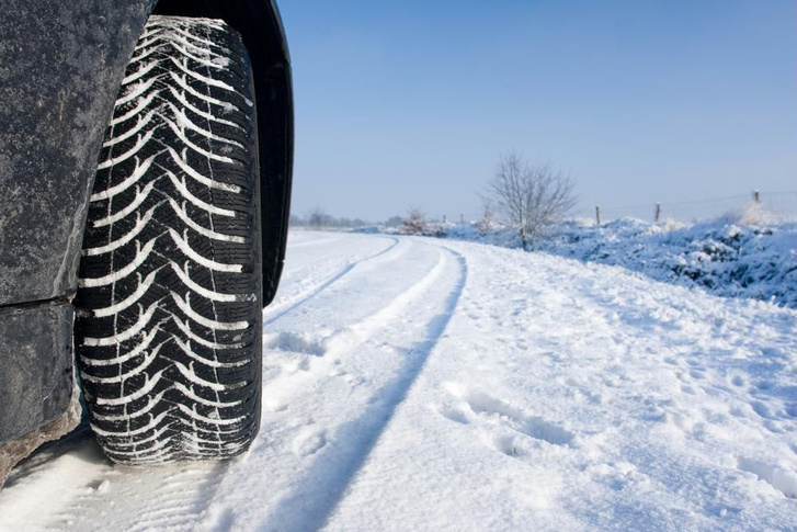 Hóban fontos, hogy a minta felvegyen havat és a hó-hóval kapcsolat biztosítson tapadást