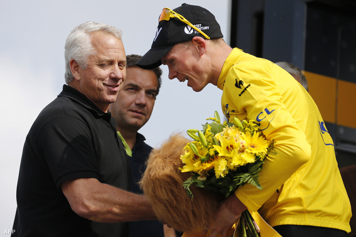 Greg LeMond gratulál a 2013-as Tour de France-on Chris Froome-nak