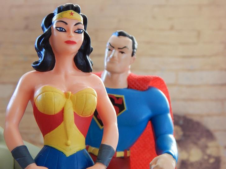 Amikor Wonder Woman hordja a nadrágot.
