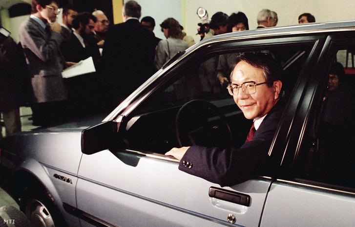 Tojoda Tacuro 1984-ben, Kaliforniában egy Toyota Novában