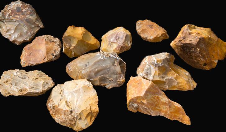 Több száz kőszerszámot találtak az izraeli régészek