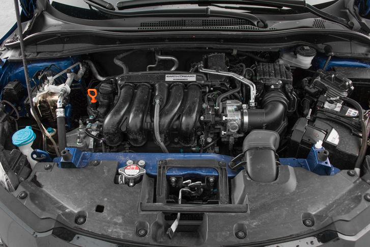 Ekkora karosszériában alul erőtlen érződik, nagy fordulaton viszont zajos az 1,5 literes VTEC