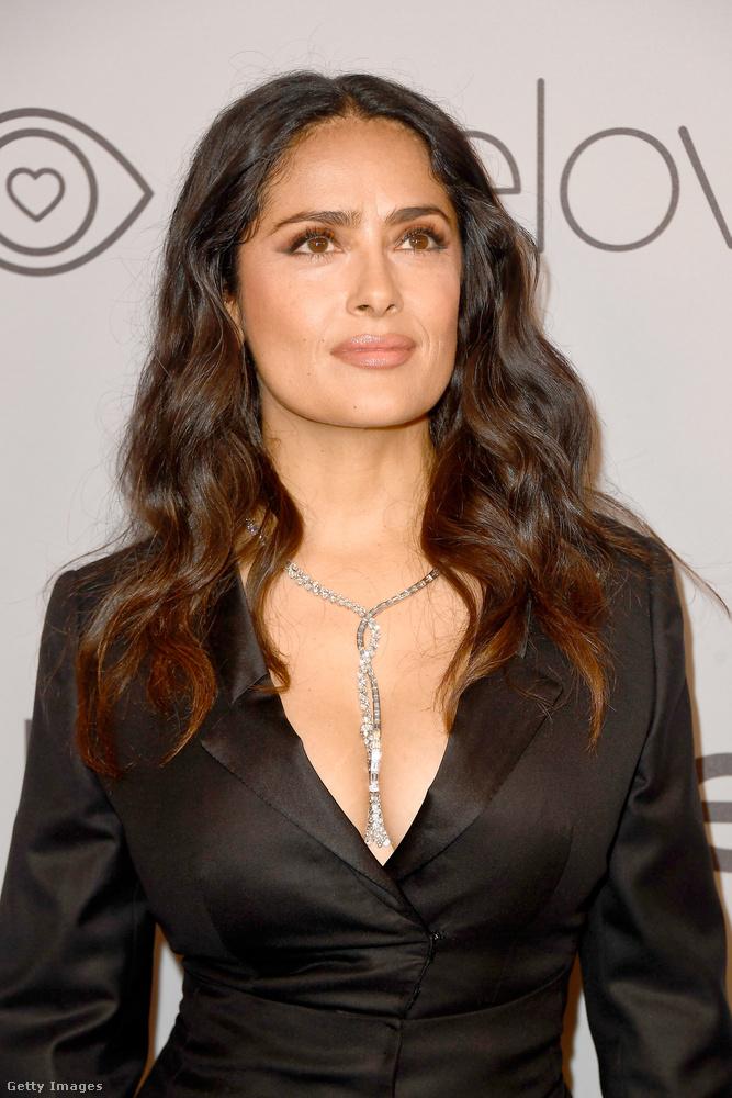 Salma Hayek mondjuk biztos, hogy nem véletlenül jelent meg így, miután a New York Times magazinban írta meg, hogy Harvey Weinstein halálosan megfenyegette.