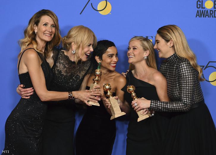 A legjobb limitált sorozat vagy tévéfilm kategóriában győztes Hatalmas kis hazugságok című sorozat színésznői: Laura Dern, Nicole Kidman, Zoe Kravitz, Reese Witherspoon és Shailene Woodley