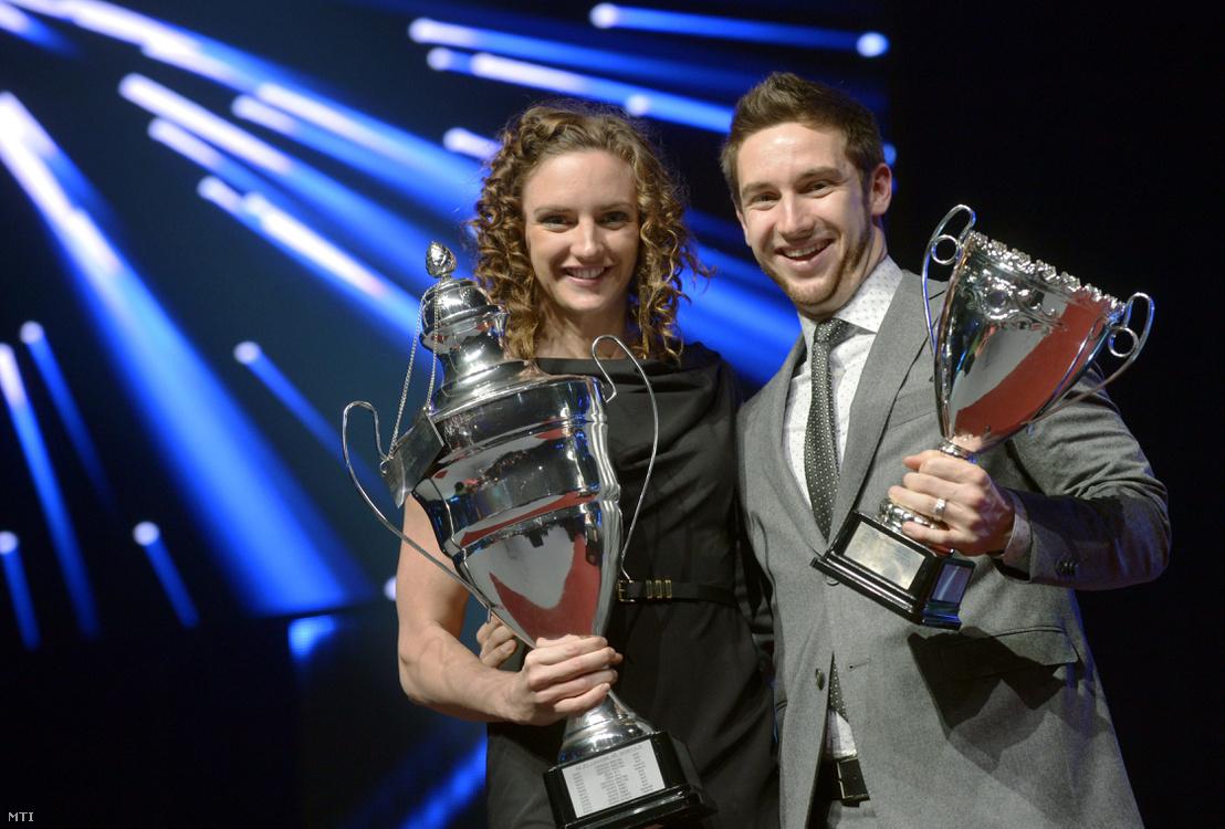 Az év legjobb női sportolója Hosszú Katinka világbajnok úszó és Shane Tusup az év edzője a díjjal a Sportcsillagok Gálaestjén a budapesti Syma Rendezvény és Kongresszusi Központban 2013. december 19-én