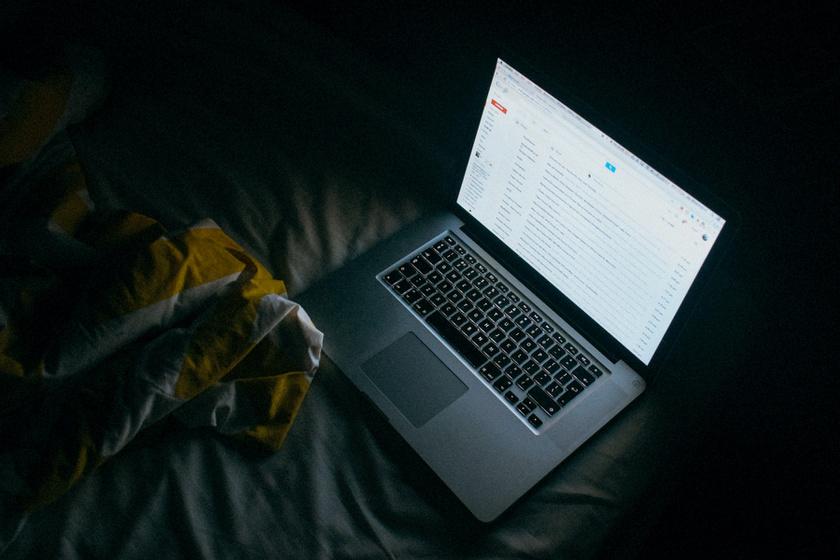 e-mailek