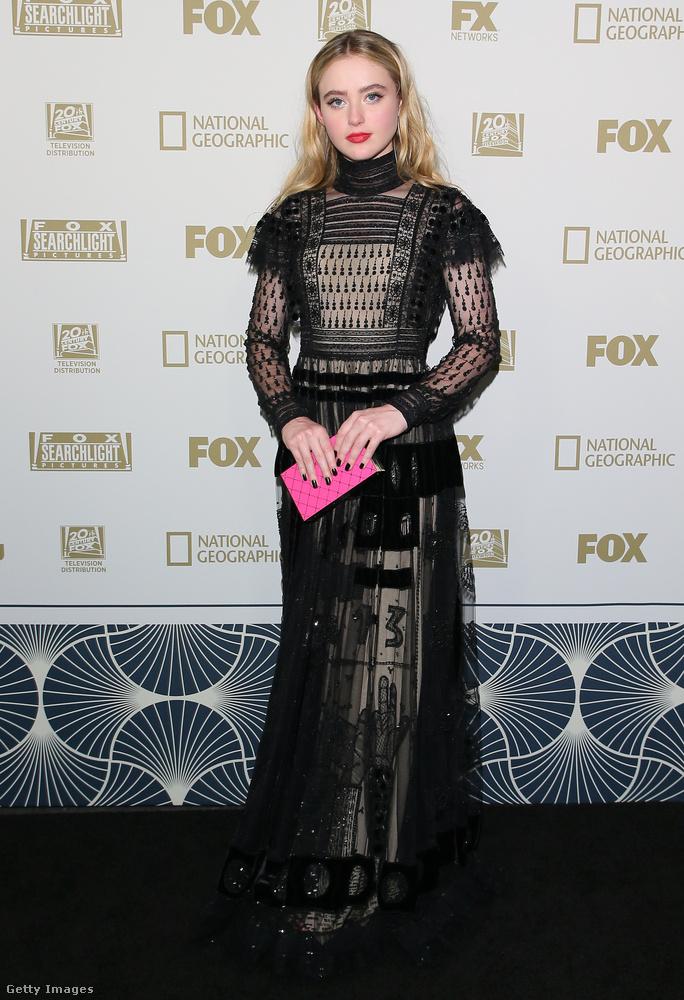 Így tett többek között Reese Witherspoon és Ryan Phillippe lánya, Ava Elizabeth Phillippe is, amivel sikerült elérnie, hogy se szexi, se csinos ne legyen egyszerre