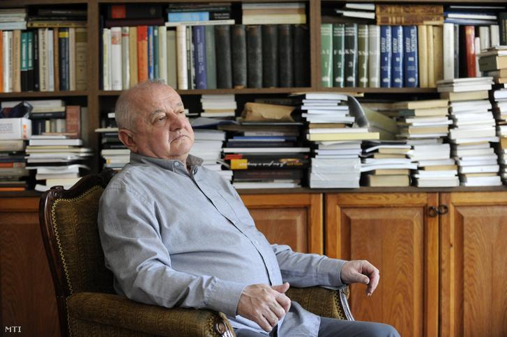 Elhunyt Tőkéczki László Széchenyi-díjas történész