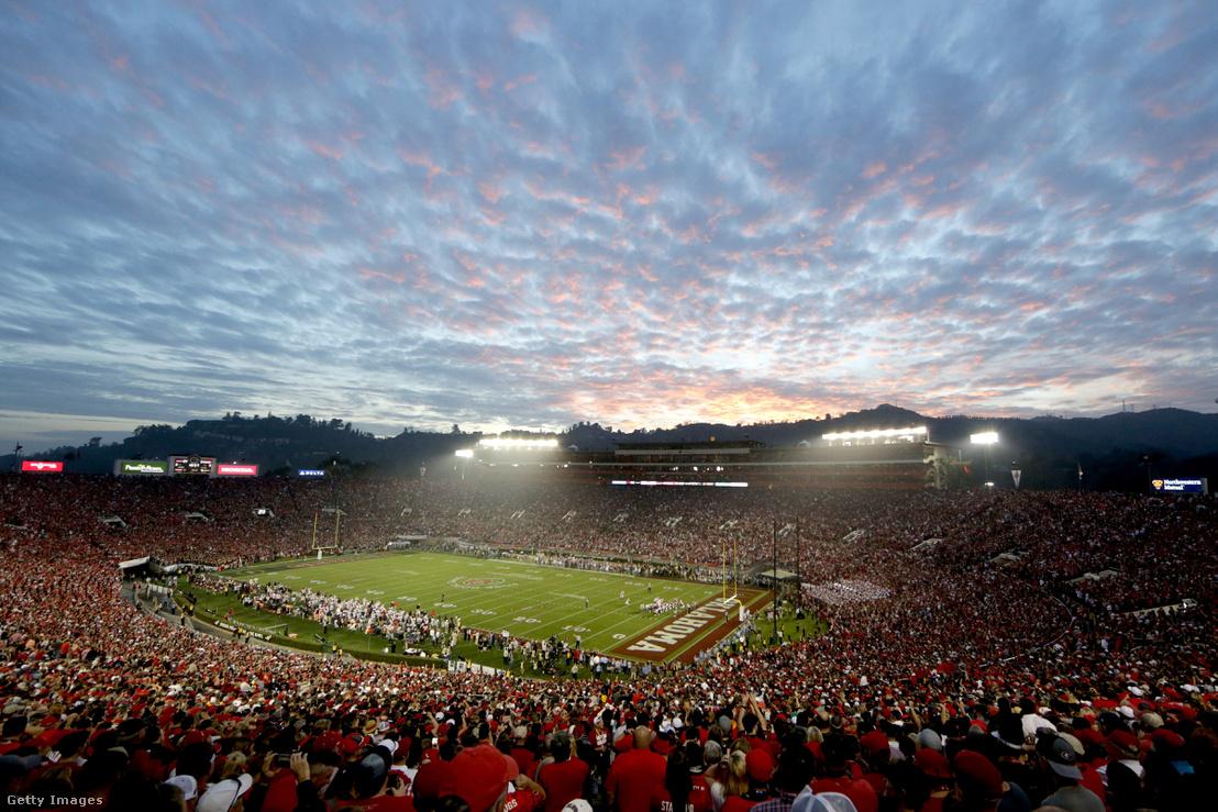 A Rose Bowl stadion a californiai Pasadenában
