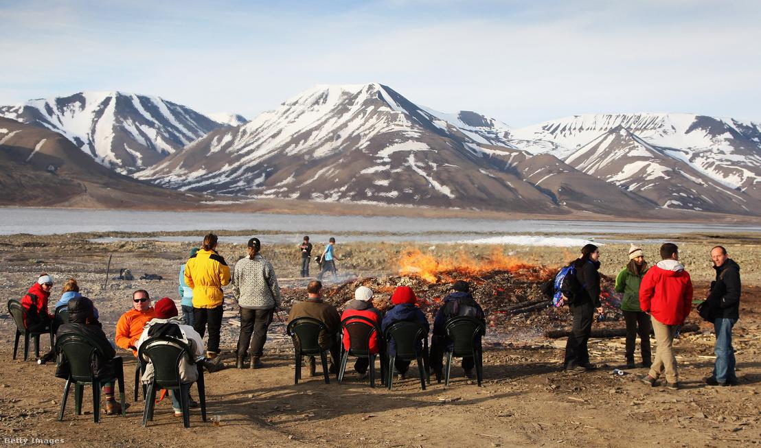 Nyárközépi mulatság Longyearbyen városában 2008 június 21-én