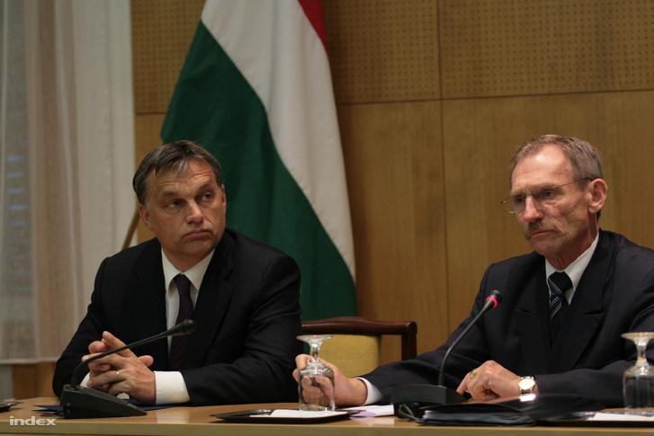 Orbán Viktor és Pintér Sándor 2010-ben