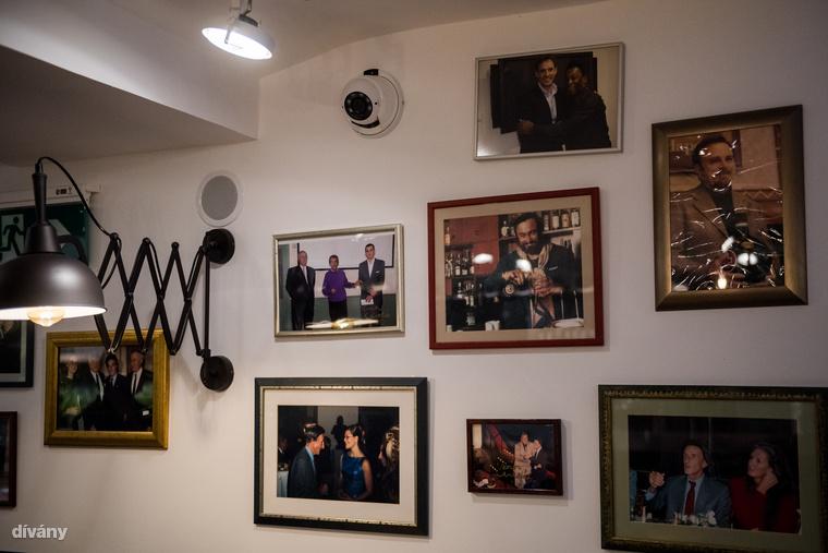 A családtagok olyan hírességekkel kerültek egy képre az elmúlt évtizedekben, mint például Woody Allen vagy Gina Lollobrigida.