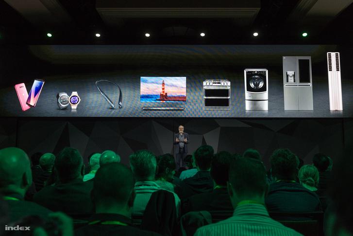 Néhány otthoni eszköz, amivel összeköthetjük a következő generációs okostévéket.