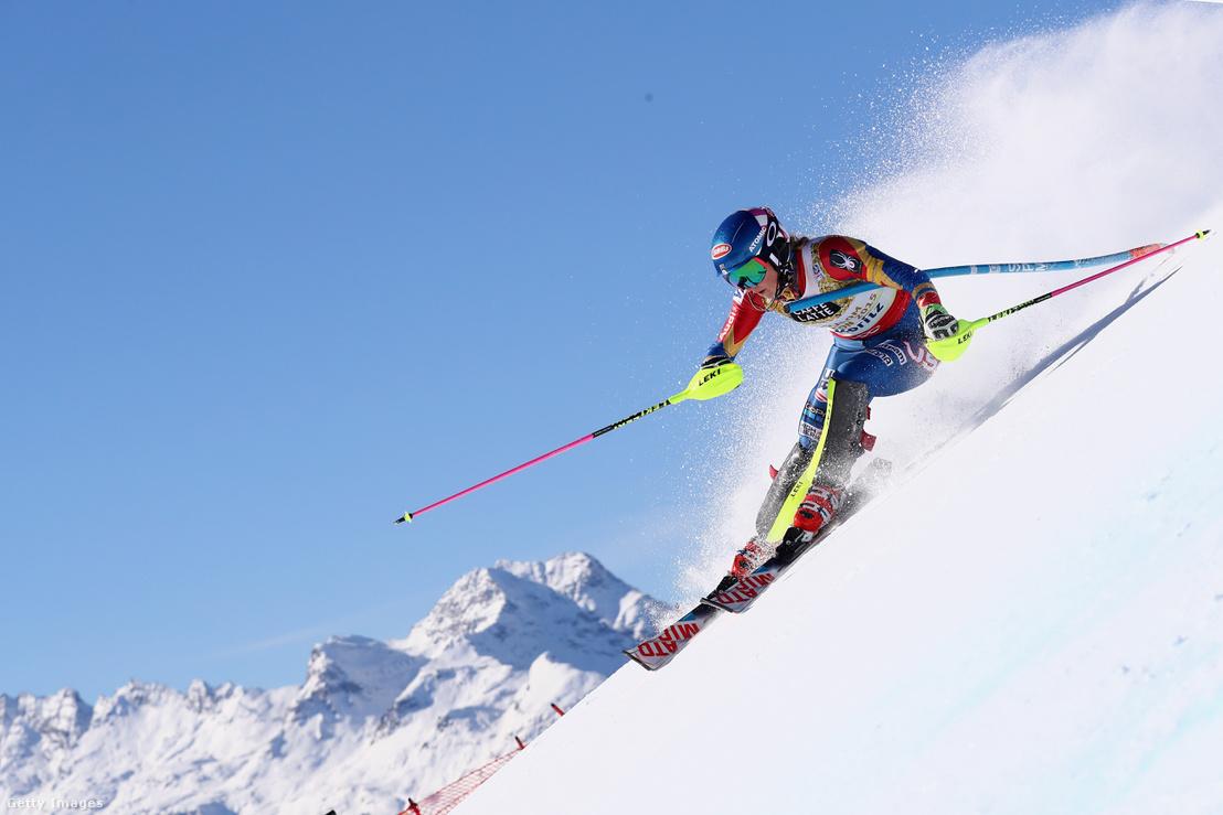 Shiffrin az Alpesi Sí Viláhgkupán 2017 februárjában Svájcban
