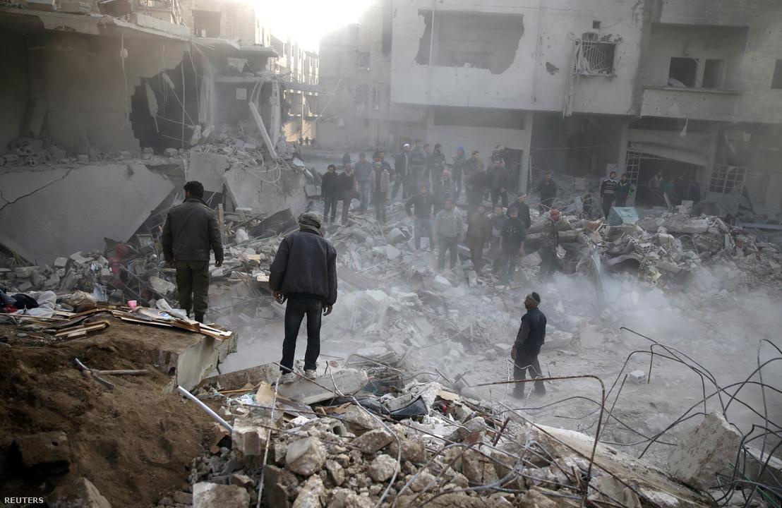 Lebombázott épületek Kelet-gútában 2018 január 8-án