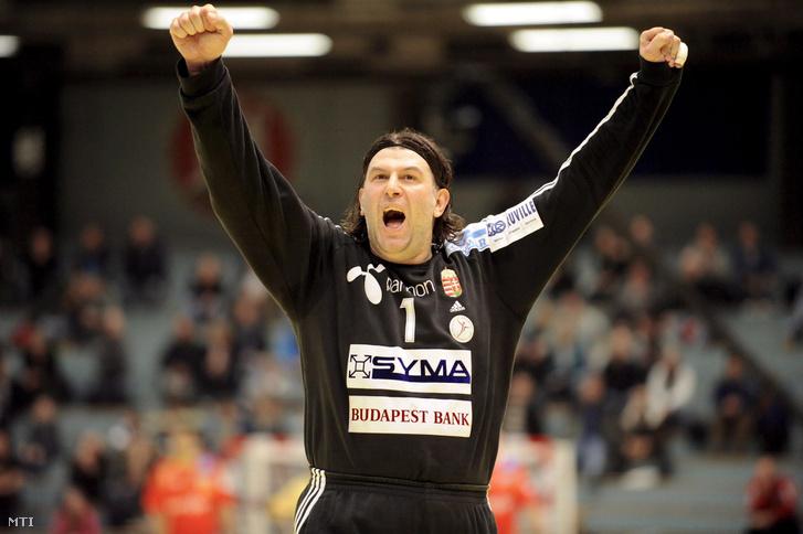 Nenad Puljezevic magyar kapus ujjong, miután Magyarország 35-28-ra győzött Spanyolország ellen a férfi kézilabda Európa-bajnokság C csoportjának első fordulójában Bergenben 2008. január 17-én.