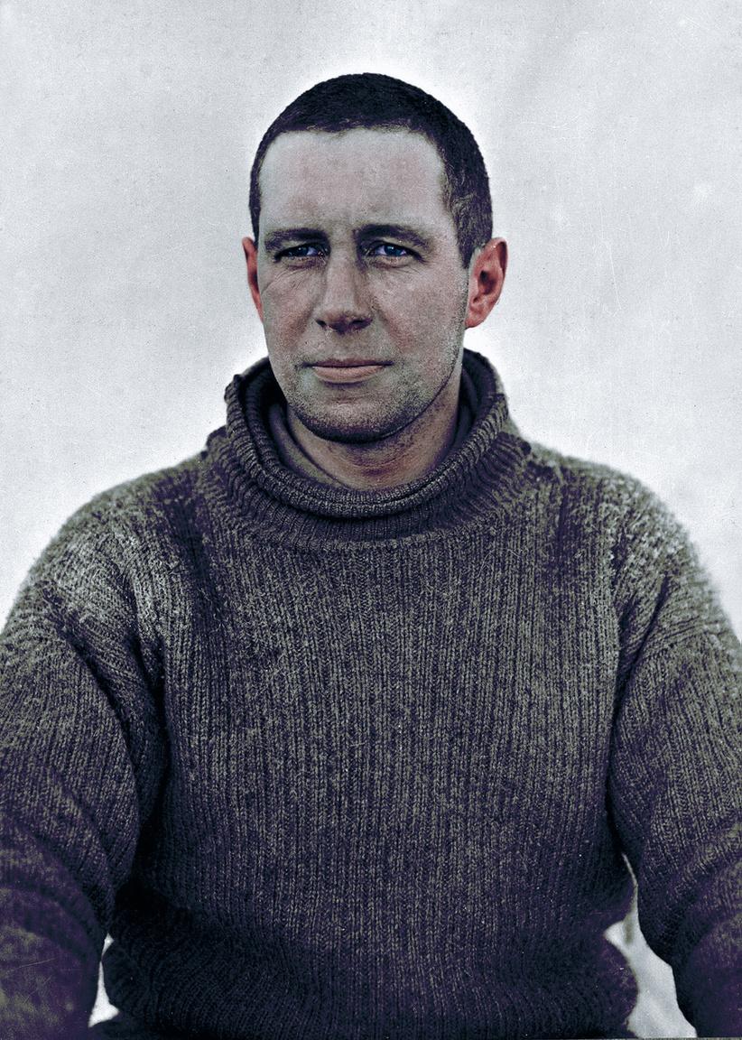 Lawrence Oates mínusz 40 fokban kilépett a sátrából és belegyalogolt a halálba. Azt hitte, ezzel segíthet még életben lévő társain. Oates 1912. január 17-én Robert Falcon Scott csapatával érte el a Déli-sarkot. Teljesen legyengült, skorbutot kapott és súlyos fagyási sérüléseket szenvedett. Társainál sokkal gyorsabban épült le, és ezzel az egész csapat mozgását lelassította. A tervezett napi 9 mérföld helyett csak hármat tudtak teljestíteni. A többieket egy idő után arra kérte, hogy hálózsákjába csavarva hagyják hátra. Nem tették. Két nappal később Oates maga döntött haláláról, kilépett a tomboló hóviharba, és sohasem látták többé. Scottékat így sem tudta megmenteni, körülbelül két héttel később sátruk fogságában ők is meghaltak.                         A búr háborúban is harcoló Oates Scott Terra Nova expedíciójában a 19 szánhúzó póni ellátásért felelt elsősorban, de jól jött az az ezer font is, amivel beszállt a költségekbe.