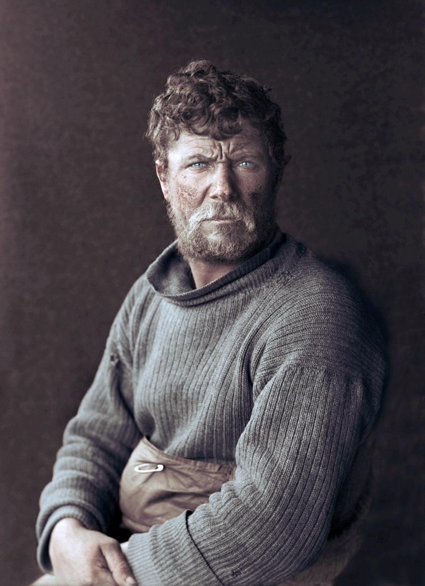 """Patrick Keohane is Scott Terra Nova expedíciójában vett részt. Az ír tengerész mentálisan és fizikailag is nagyon erős volt, de Scottot nemcsak ezzel győzte meg, hogy helye van a csapatban. Arra kérdésre, hogy miért akar bekerülni a misszióba, csak annyit felelt: """"Mindig meg akartam nézni, mi van a domb másik oldalán."""" Keohane is elindult Scott csapatával a Déli-sark felé, de nem számíthatott rá, hogy el is éri azt. Scott az ellátmány szállításával bízta meg, Keohane először pónit vezetett, majd maga húzott egy megrakott szánt, de a 85° 15' szélességi körön visszafordította a Cape Evans-i bázisra. Keohane el is érte azt, de többször is bajba került az út során, egyszer 25 percen belül nyolcszor esett bele jéghasadékba. Később ő is annak a csapatnak a tagja volt, amelyik megtalálta Scott holttestét. Keohane később a brit parti őrségnél szolgált, majd a második világháború alatt a haditengerészethez csatlakozott."""