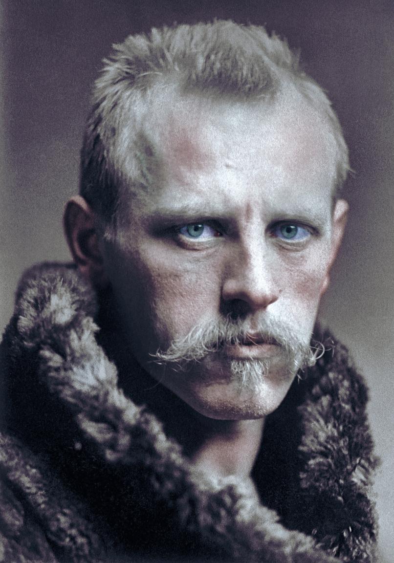 Az északi sarkvidéket és Grönlandot kutató Fridtjof Nansen nagy újító volt, akinek gyakorlati ismereteit, melyeket az eszkimóktól és számiktól lesett el, későbbi sarkkutatók is felhasználták a túléléshez. A sportolónak is kiváló Nansen volt az első, aki társaival sílécen, a - 45 fokos hideget túlélve szelte át Grönlandot. Az Északi-sark meghódítására tett kísérlete még különösebb volt. Hajójával, a Frammal a Jeges-tengeren át akart eljutni a sarkpontig. Úgy tervezte, hogy a jégtáblák közé befagyó Fram az áramlatok segítségével a pólusig sodródik. Ez az ötlet nem vált be, így Nansen elhagyta a hajót 1895 márciusában, hogy kutyaszánnal érje el a sarkot. Hjalmar Johansonnal azonban a tervezettnél lassabban haladtak, kifogytak a készleteikből, ezért 20 nap után a visszafordulás mellett döntöttek. Rekordot így is döntöttek, mert korábban senki nem járt náluk északabbra. A hazaút sem volt egyszerű, kutyáikat ők is módszeresen leölték, hogy táplálékhoz jussanak. Óráik megálltak, így már a földrajzi helyzetüket sem tudták meghatározni. A Ferenc József-földig jutottak, ahol nyolc hónapig éltek egy földbe kapart lyukban. Nyáron kajakkal indultak dél felé, így futottak bele egy kisebb szigeten Frederik Jackson expedíciójába. Néhány hét múlva hajóval vissza is tértek Norvégiába.