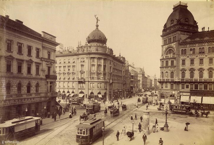 A József körút és a Rákóczi út sarkán álló Csillag gyógyszertár 1910-ben