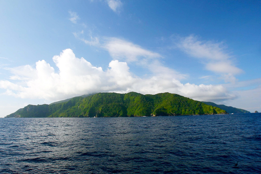 A legenda szerint a 19. században egy Benito Bonito nevű kalóz Limából ellopta az inkák aranyát, majd elrejtette a csendes-óceáni Kókusz-szigeten.
